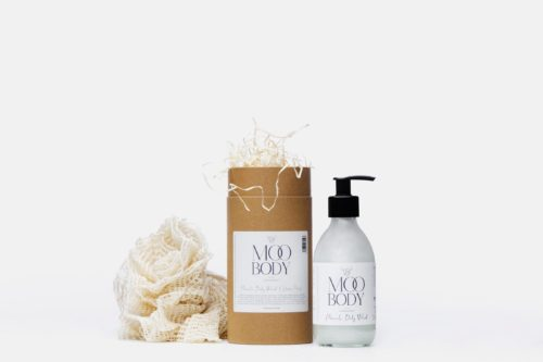 Moo Yoo Gift Tube with Body Wash and Shower Pouf